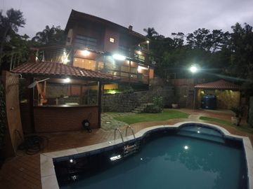 HOUSE WITH 05 SUITES, POOL, BARBECUE AND SEA VIEW !!!