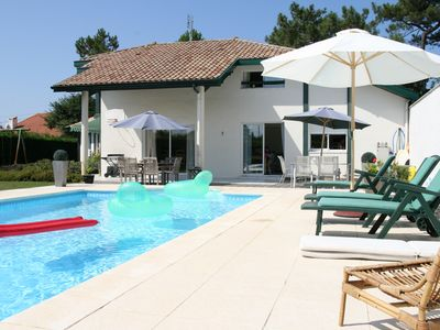 Photo for Contemporary villa with swimming pool (9m x 4.5) heated