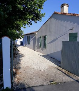 Photo for family house at the foot of the conches beach on the Ile de Re
