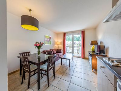 Photo for Apartment Domaine du Golf d'Albret in Barbaste - 6 persons, 2 bedrooms