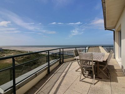 Photo for Large apartment for 8 people on the seafront with beautiful terrace