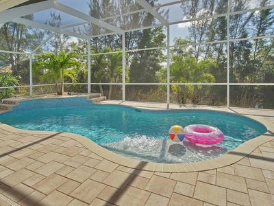 Photo for Huge south facing pool deck, free WIFI