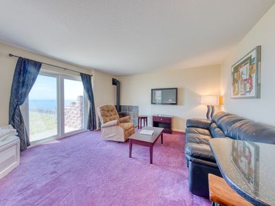 Photo for Oceanfront suite with beach access, views, jetted tub & shared pool/hot tub!
