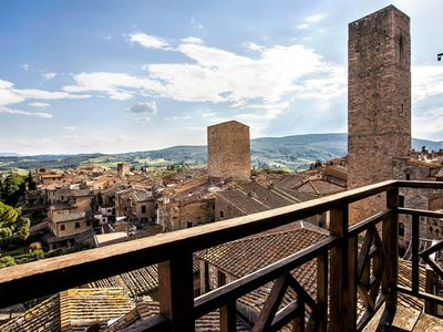 Photo for Apartment in San Gimignano with 3 bedrooms sleeps 6