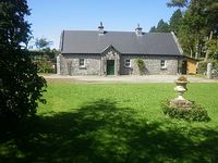 Cottage with lots of character in beautiful surroundings, perfect for a family get away!