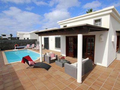 Photo for Outstanding Detached Luxury Villa with Private Heated Pool & Free WIFI Faro Park