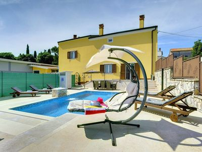 Photo for Beautiful villa near Rovinj with private pool, 4 bedrooms, 3 bathrooms, washing machine, air conditioning, wifi, terrace and barbecue