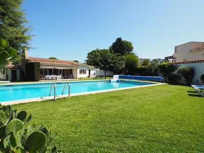 Photo for Beautiful house with large garden, private pool and independent studio. Located at the en