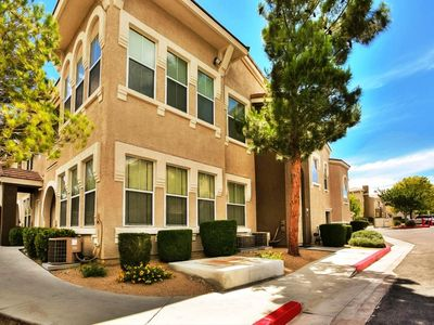 Cozy & Spacious 1 Bedroom 1 Bath (Accommodate 4) - Corporate Long Stay Welcome