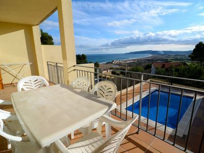 Photo for House with pool and beautiful sea views located in a quiet area.