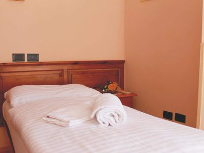 Photo for Single room with shower, WC - Hotel Al gallo Forcello. 1530