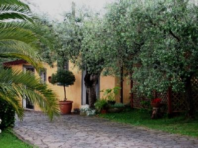 Photo for Pretty and romantic country house, quietly located on the hills of Rome