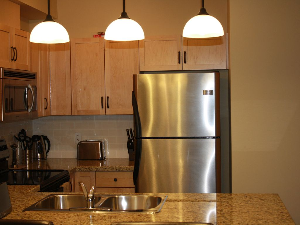 King Of Kitchen And Granite Beautiful Cleanclose To Downtown Homeaway Canmore