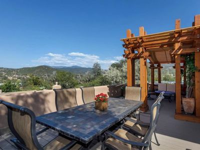 Hummingbird - Spectacular Views, Stunning East Side Home, Walk to Canyon Rd.