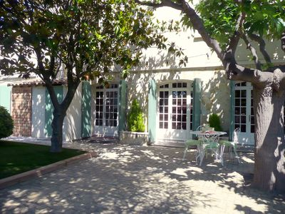 Photo for Sleeps 4, ground floor apartment in a villa between the Rhône and the sea