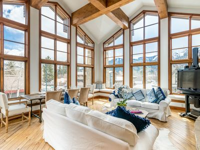 Photo for Stylish downtown condo with mountain views