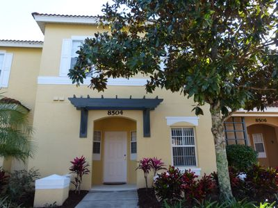 Photo for 3 bed 2.5 bath townhome at Emerald Island Resort near Disney, Orlando, Florida