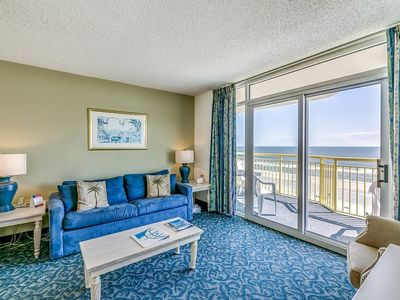 Photo for Bay Watch 522, 2 Bedroom Beachfront Condo, Hot Tub and Free Wi-Fi!