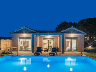 Photo for Bungalow with private pool