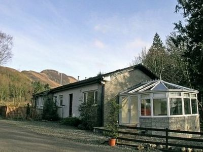 Photo for 2 bedroom property in Callander. Pet friendly.
