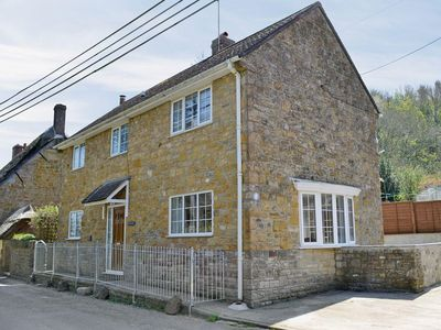 Photo for 3 bedroom property in Bridport. Pet friendly.