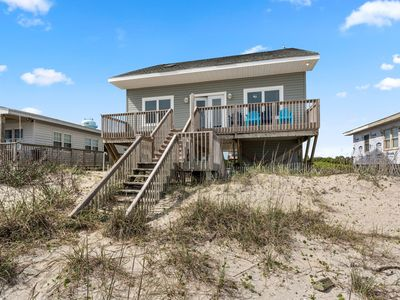Photo for Wireless internet, oceanfront deck with shower
