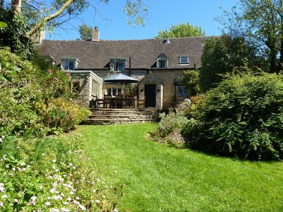 Photo for Spacious historic 17th Century Cotswolds Cottage for all Seasons