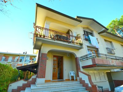 Photo for Atmospheric apartment with a garden and balcony, 600 m from the beach