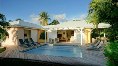 Photo for Contemporary villa 5 minutes from the beach!