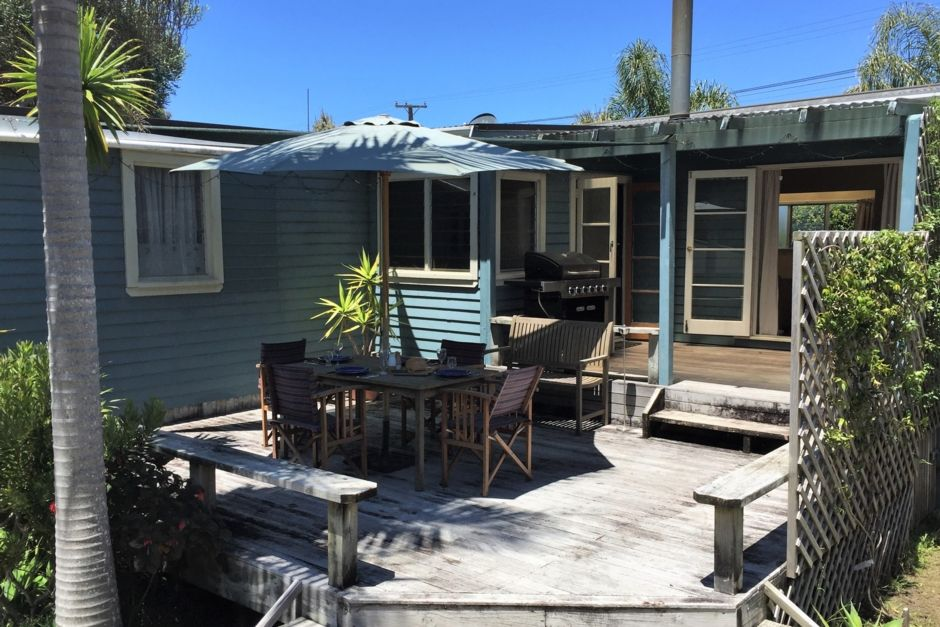 Classic Kiwi Bach with large sunny deck