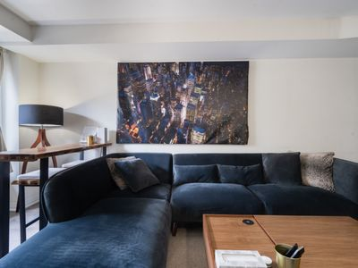 Photo for 2+1 Loft Townhome, 5 mins from 401/400/Subway