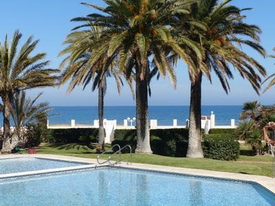 Photo for Ground floor apartment, 3 bedrooms for 6 people. First line beach.