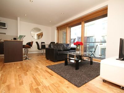 Photo for Georges Street Apartment Sleeps 8