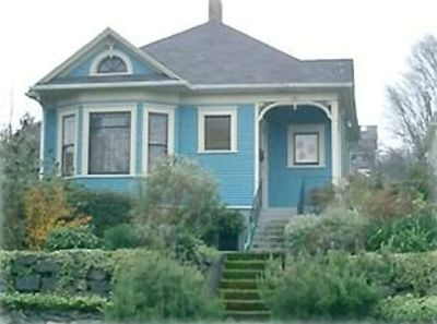 Photo for Victorian Cottage 2 Miles to Downtown Seattle
