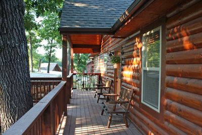 Branson Cabin Rental -  Owl's Nest Cabin - Front Porch Relaxation!