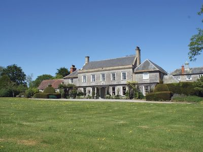 Photo for WOOTTON HOUSE, pet friendly in Butleigh Wootton, Ref 975935