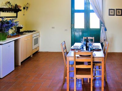 Photo for Lovely apartment for 4 guests with WIFI, pool, TV, pets allowed and parking