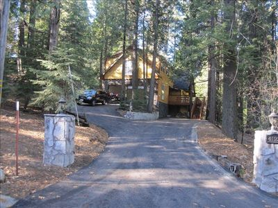 Photo for Fabulous 2-Family Mountain Vacation Home Near Shaver Lake