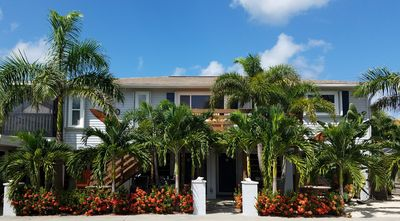 Welcome to our beach house. Kick off your shoes & enjoy your time in paradise!