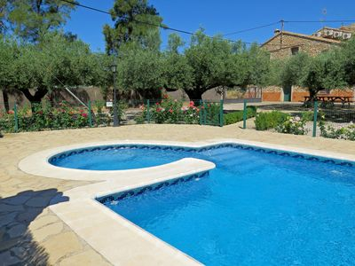 Photo for Accommodation in Castellón (10 people), enjoy the family pool !!!