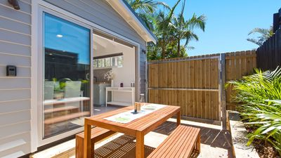 Photo for Luxury Guest Accommodation - 2km from Manly beach