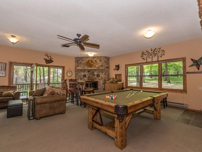 GREAT ICE FISHING at this LAKEFRONT-1.5 Acre Private Dead End Rd Pool Table ~5BR