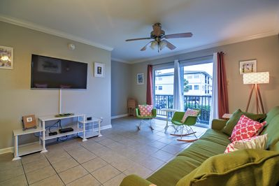 Enjoy some peace and quiet at this lovely Ocean Springs vacation rental condo