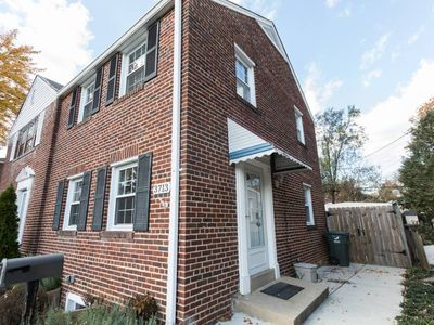 Photo for 3 Br / 2 Ba Arlington Home With Parking ~ 8 Minutes From DC