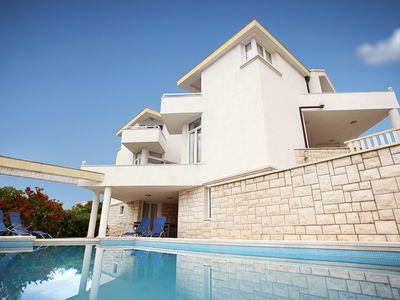 Photo for Spacious Modern Villa With 36 Sq m Pool Just 70m From The Beach