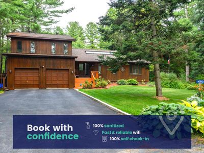 Perfect for a Family Getaway, Spacious- Walk to Lake & Dock!
