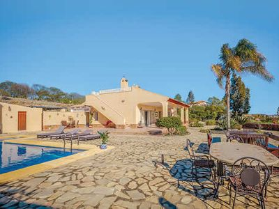 Photo for Comfortable villa with table tennis and outdoor bar, close to nearest town.