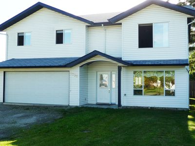 Photo for 4 Bedroom Home in the Shuswap,  Close To Canoe Beach!