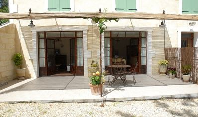 Photo for Cottage for 3-4 people in the triangle Arles Nîmes Avignon