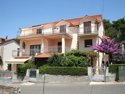 Photo for Apartment in Vrboska (Hvar), capacity 4+0